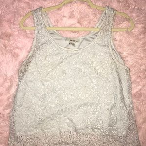 white flower lace tank top🤍
